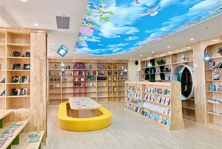 阅读的天地——学校图书馆